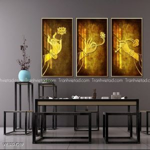 tranh tay Phật cầm đóa sen vàng