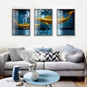 tranh biển cá voi vàng