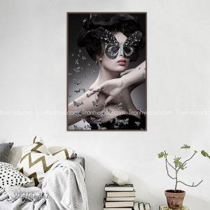 tranh cô gái và bướm